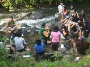 layaknya seperti sungai.. biarlah kasih dan sukacita itu tetap mengalir ;)