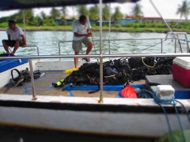 Kapal, Instruktur dan Peralatan Diving